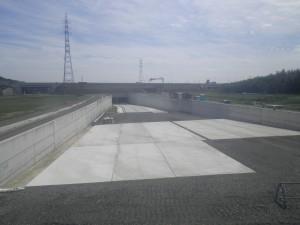 完成写真(地下水対策コンクリート擁壁)