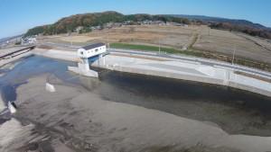 堤防、土砂吐けゲート